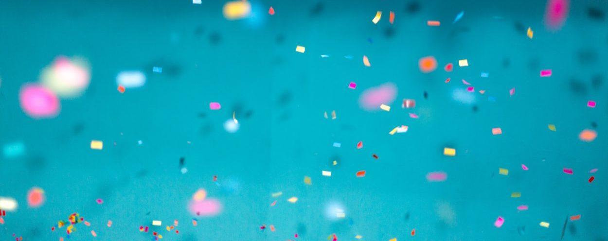 fondo-confeti-20-aniversario-epsilon